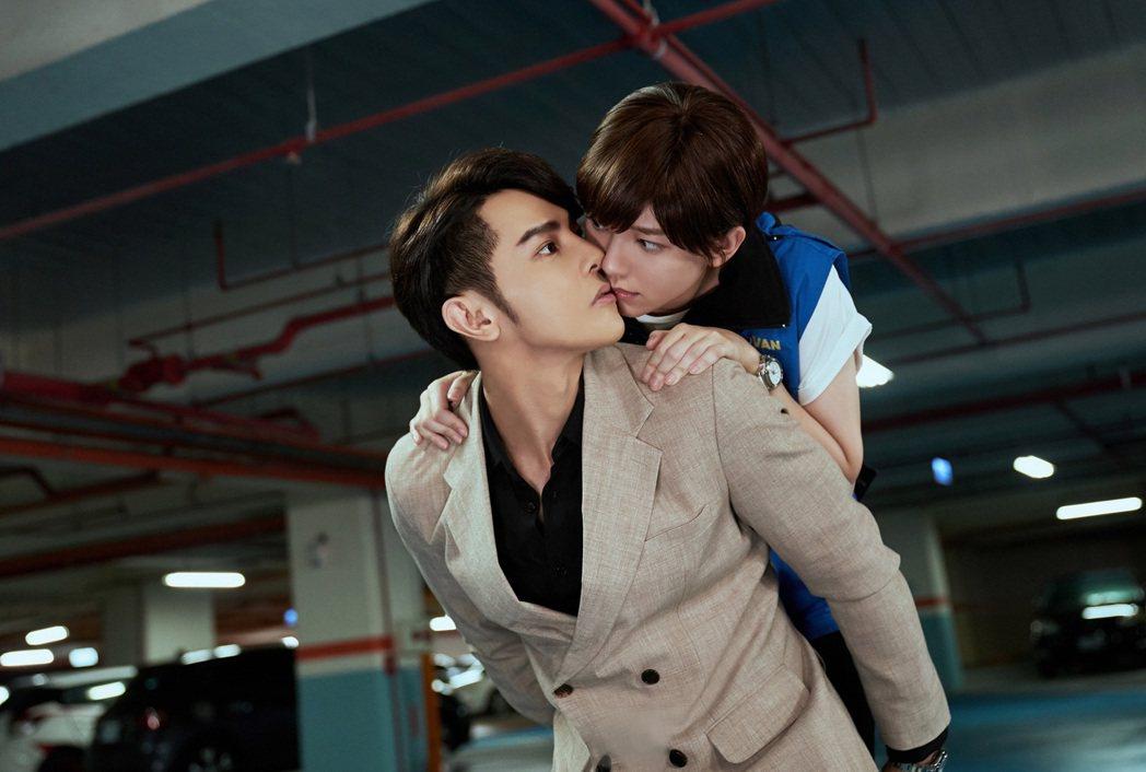 汪東城、郭雪芙在「因為我喜歡你」中意外之吻。圖/八大電視提供