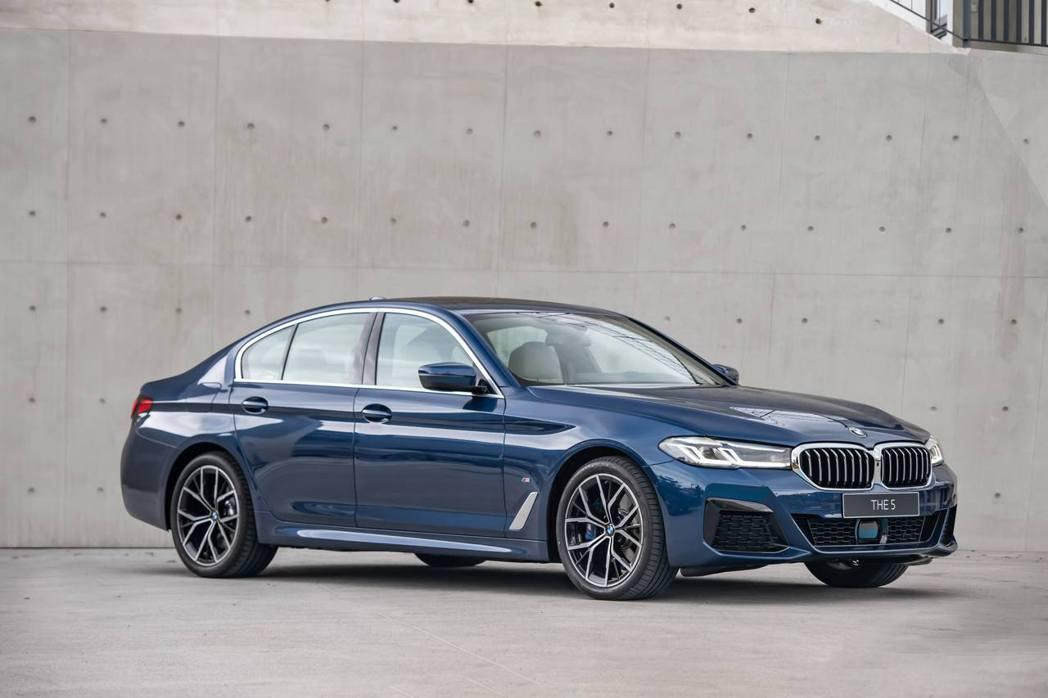 BMW主流車款5系列改款上市,汎德永業第4季營收看好。汎德/提供
