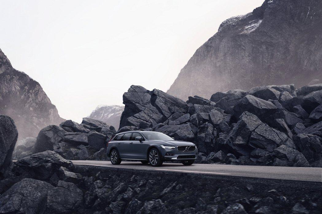 國際富豪汽車宣布全新年式 Volvo V90 Cross Country 正式在...