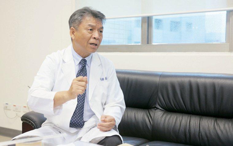 第30屆醫療奉獻獎得主、中國醫藥大學副校長蔡輔仁。圖/蔡輔仁提供