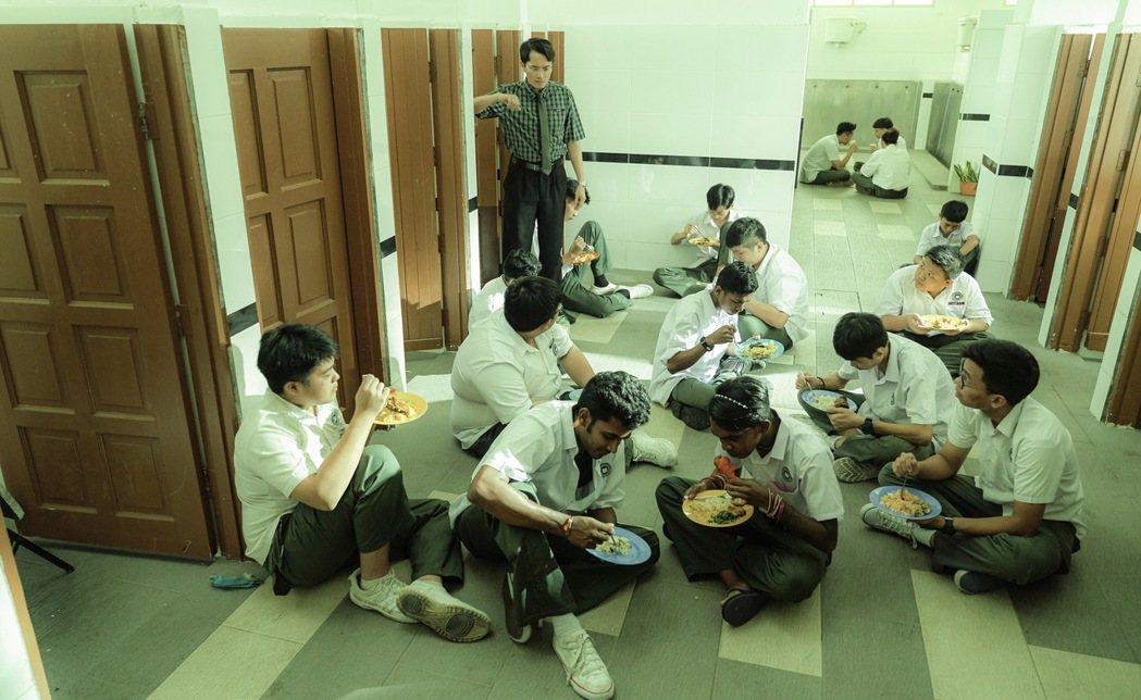 「你是豬」聚焦馬來西亞真實的校園暴力事件。圖/華映提供