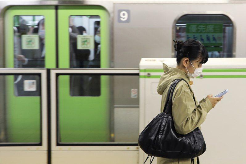 日本北海道今天新增81例確診病例,連續2天創新高紀錄,累計病例數3136例;沖繩縣已連續36天單日新增病例達2位數,每10萬人口新增病例數已連續28天居日本之冠。 新華社