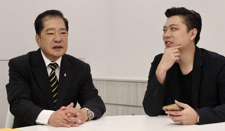 兩個大男人在美妝事業投注心力,也開啟父與子的對話。記者黃義書/攝影