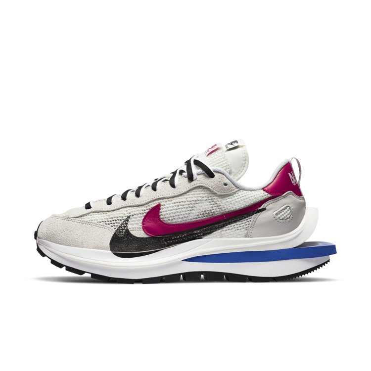 Nike X Sacai VaporWaffle聯名鞋5,800元。圖/Nike...
