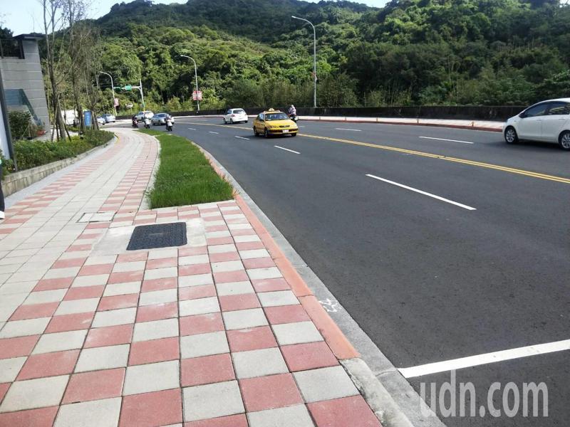 基隆慶祝調和街變示範道路, 人行道拓寬到250公分增1倍。記者游明煌/攝影