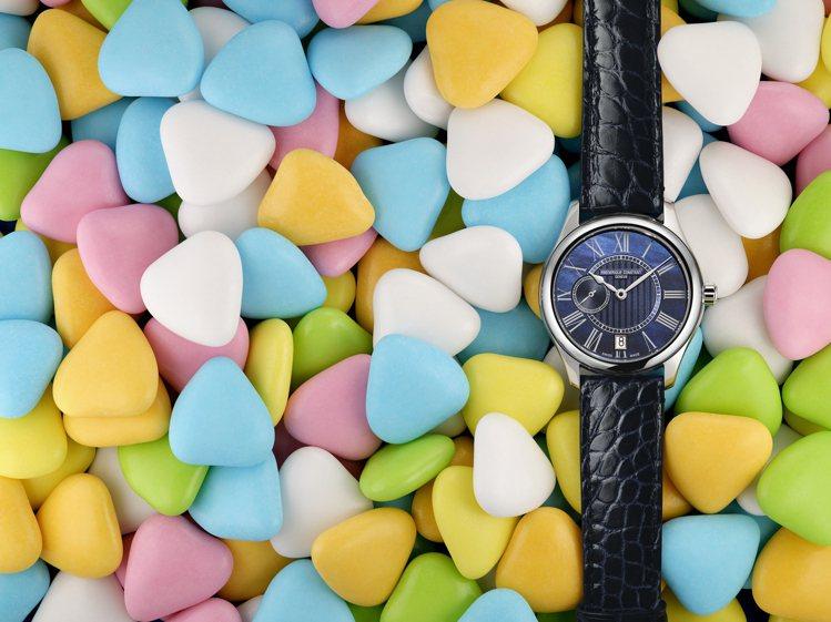 康斯登新款Ladies Automatic小秒針腕表,具備時間、小秒針與58小時...