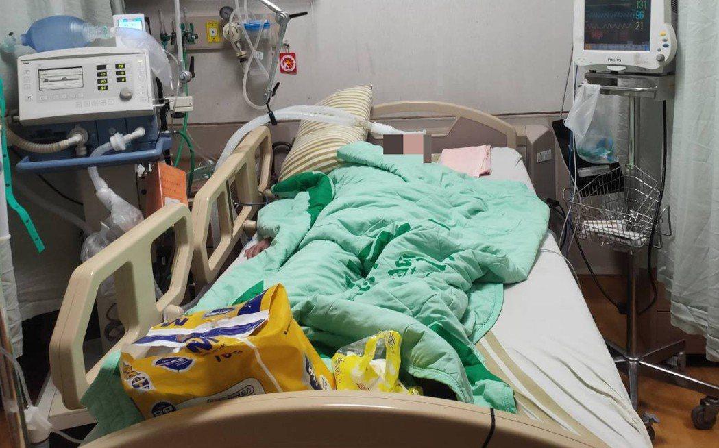 打流感疫苗9天後婦人進加護插管,基隆通報嚴重不良事件。圖/家屬提供