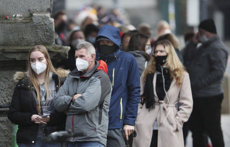 波蘭卅一日新增二萬一八九七例新冠肺炎確診,創單日新高。(美聯社)