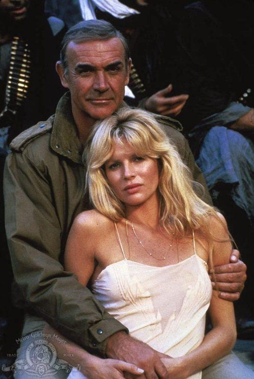 史恩康納萊在「巡弋飛彈」搭檔金貝辛格曾被形容如父女戀。圖/摘自imdb