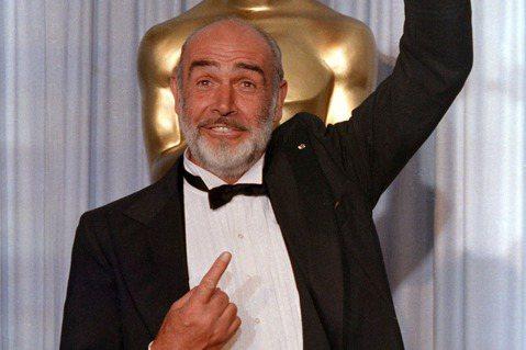 史恩康納萊是唯一演技獲得奧斯卡金像獎肯定的銀幕龐德,他雖然因為主演一系列007電影成為超級巨星、享受讓人豔羨的高片酬,卻仍覺得演技不被認可是個遺憾,在龐德片之外,他很喜歡接演一些商業性不一定很高,卻...