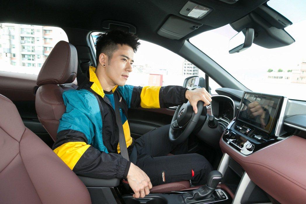 紀言愷認為Corolla Cross容易上手的特性,就連女性或長輩都能輕鬆駕馭。...