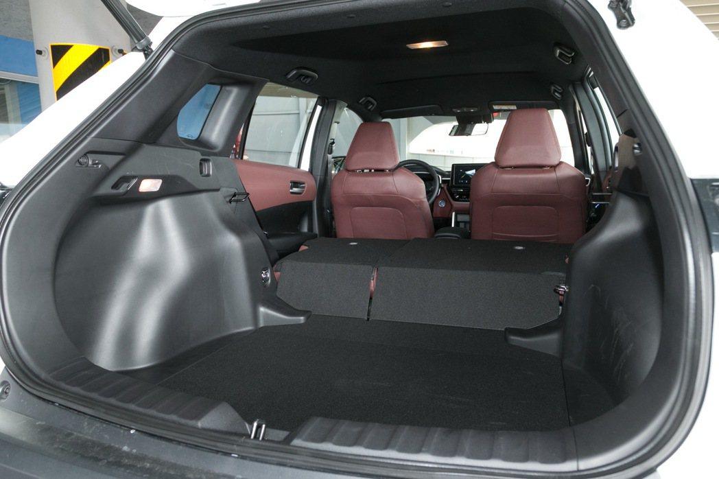 Corolla Cross後車廂擁有487公升的超大置物空間。 記者陳立凱/攝影