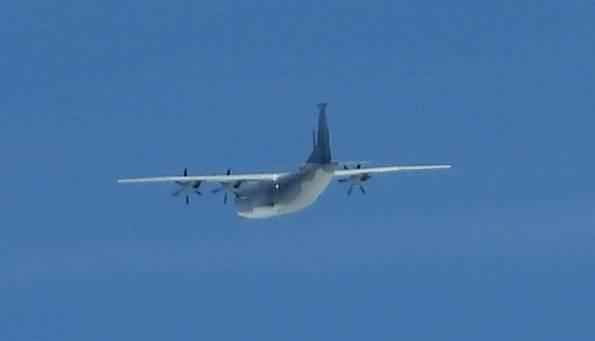 圖為一架共軍運9通信對抗機進入我西南空域防空識別區活動。圖/國防部