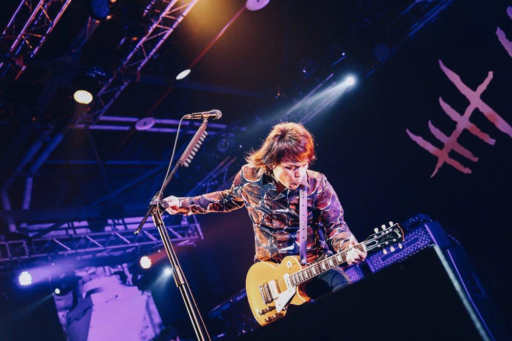「今夜伍佰9」巡迴演唱會高雄場11月20日於LIVE WAREHOUSE登場。圖...