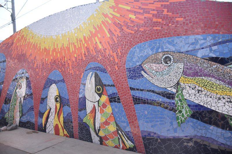 花蓮馬太林部落拼貼藝術今天亮相,盼為地方帶來經濟價值。記者王思慧/攝影