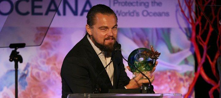 琉璃工房「順勢承氣聚悅來」這只獎座於2014年8月16日在國際海洋保護組織Oce...