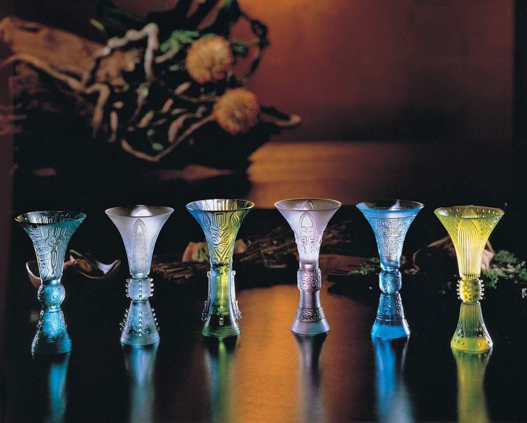 古風六品酒杯組曾是奧斯卡頒獎典禮禮籃之選。圖╱琉璃工房/提供