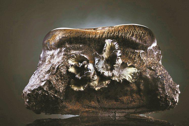 張毅的焰火禪心,被盛讚為「博物館級的作品」。圖/琉璃工房提供