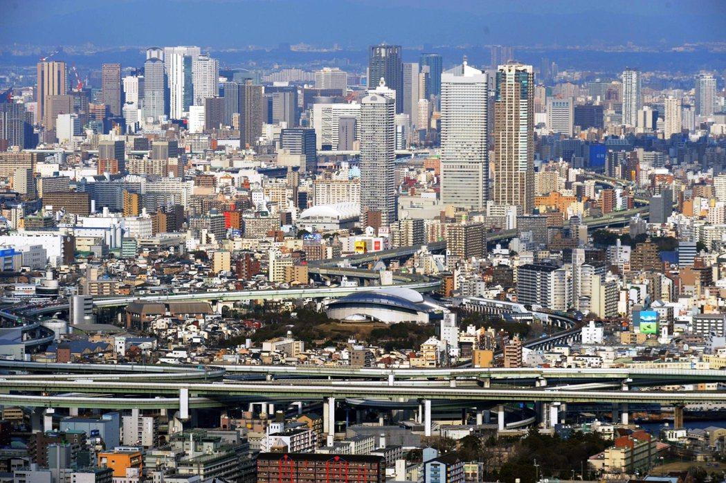 大阪都構想當初的目的,是想要透過府市整合,減少資源浪費。 圖/歐新社