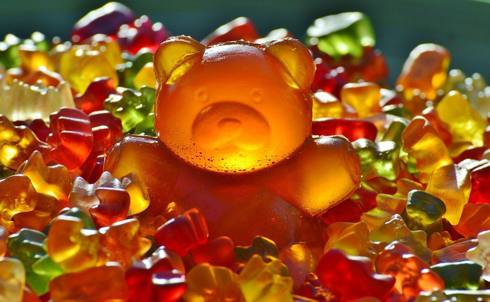 糖分不僅存在於糖果或甜品,食物中也多含有蔗糖或果糖,若能減少糖、減少發炎機會,就...