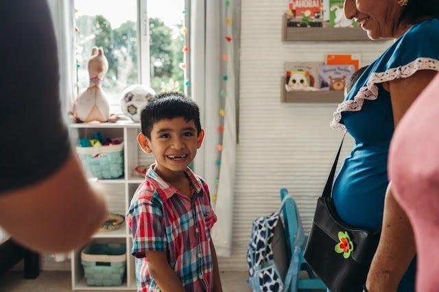 房屋格局包括起居空間、廚房和衛浴,將要居住於此的家庭也回饋他們對社區和家園的需求...