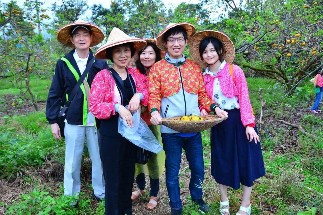 花果野食趣安排的農事體驗活動。  圖/枕頭山花果野食趣團隊 提供