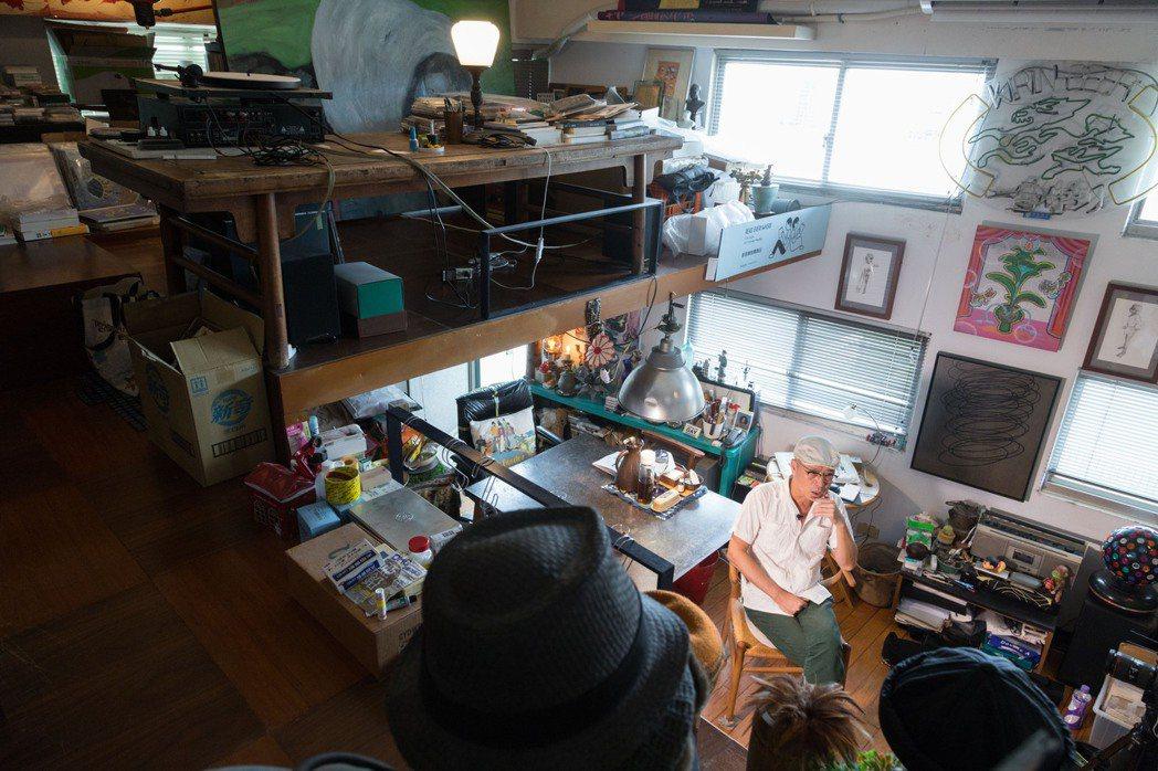 阮慶岳善用家中空間,擺放各種收藏,自成一格。記者陳立凱/攝影