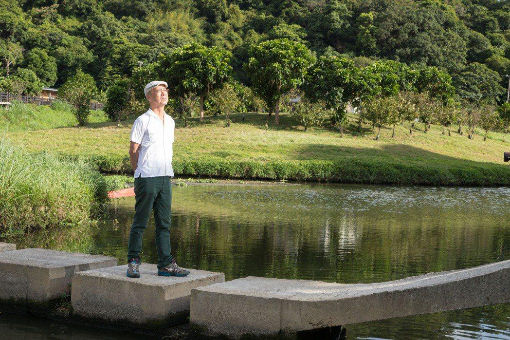 阮慶岳享受大自然帶來的舒暢感。記者陳立凱/攝影