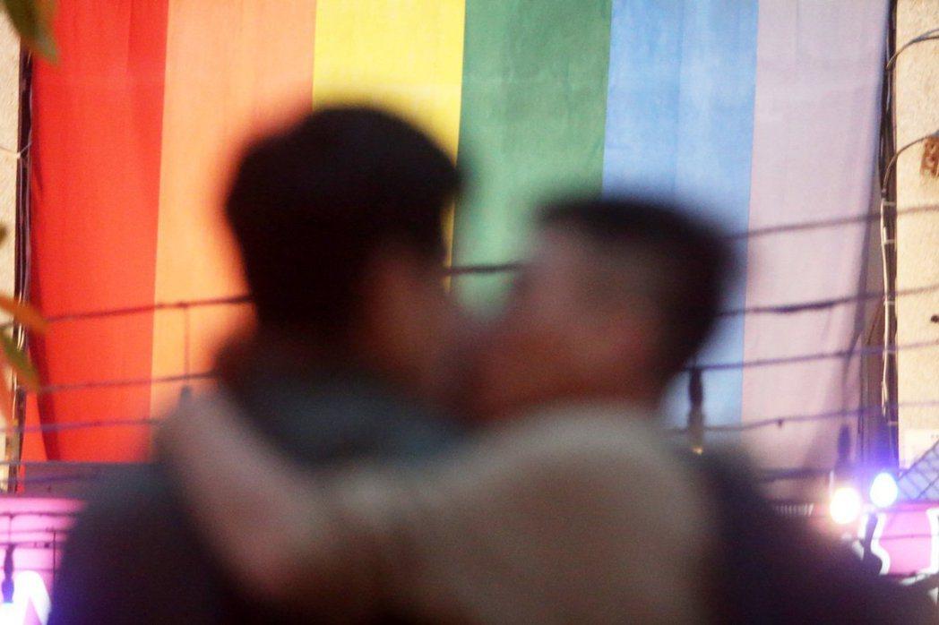 隨著同性婚姻的推動,拉子成家育子已經不再是遙不可及的夢想,同志婚姻更顯兩人相愛的...
