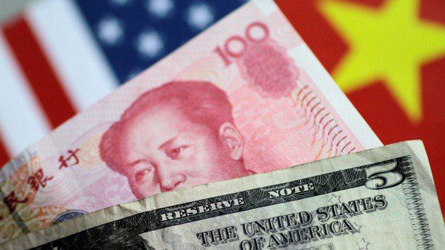 大陸央行近期移除人民幣的兩大支撐工具,反映人行準備好迎接一個沒有川普掌權的世界。...