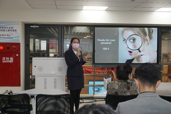 醫博科技史德芬博士發表專題演講。 楊連基/攝影