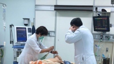 新冠肺炎疫情延燒,醫院急增設備及人力。民視新聞/提供
