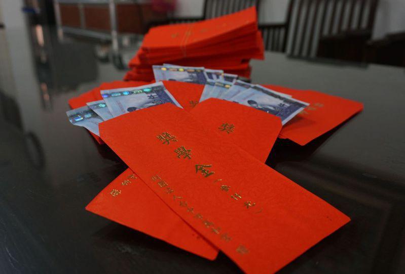 萬和宮信眾子女獎學金預計11月7日發放。圖/萬和宮提供