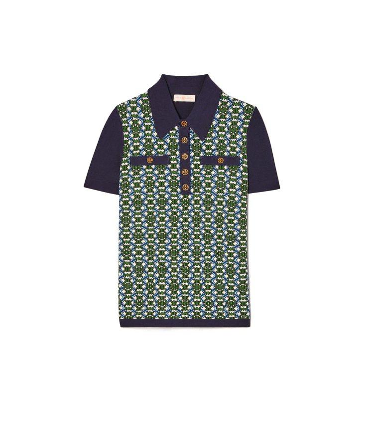金屬扣裝飾Polo衫,12,900元。圖/Tory Burch提供