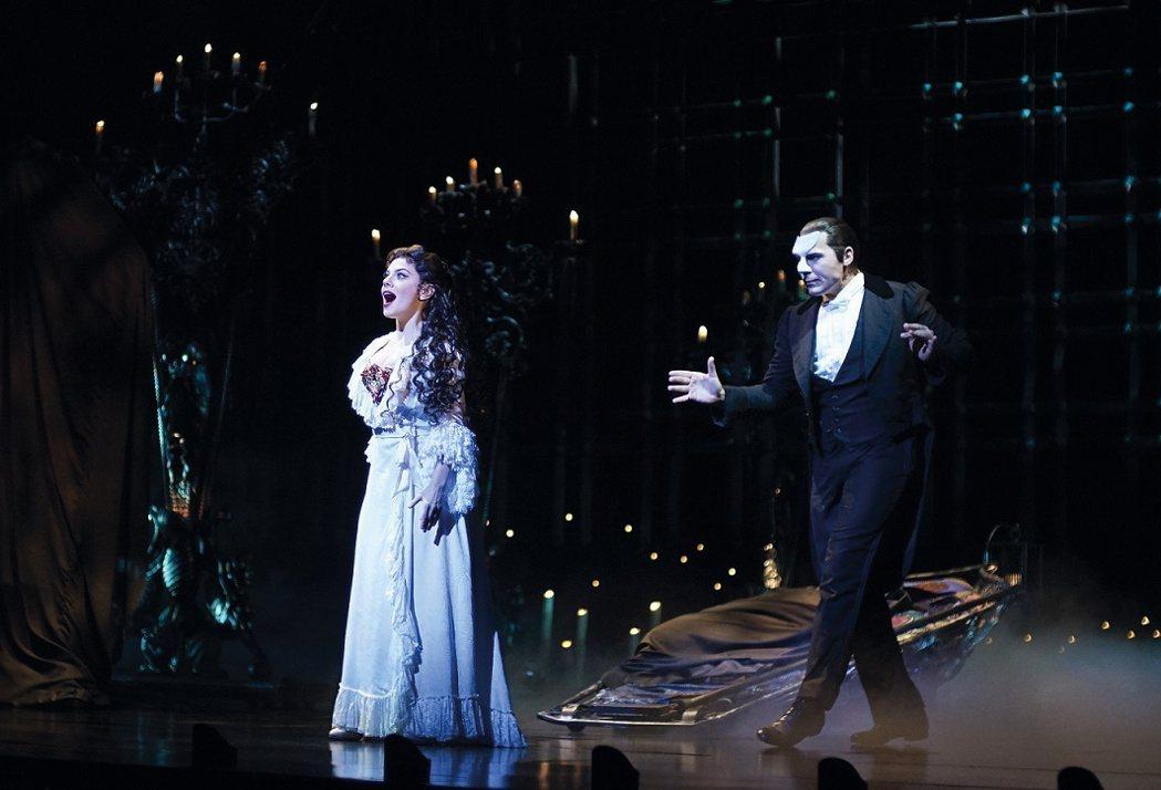 經典音樂劇「歌劇魅影」如期來台巡演,演員群、技術團隊目前已經全數抵台,進行14天