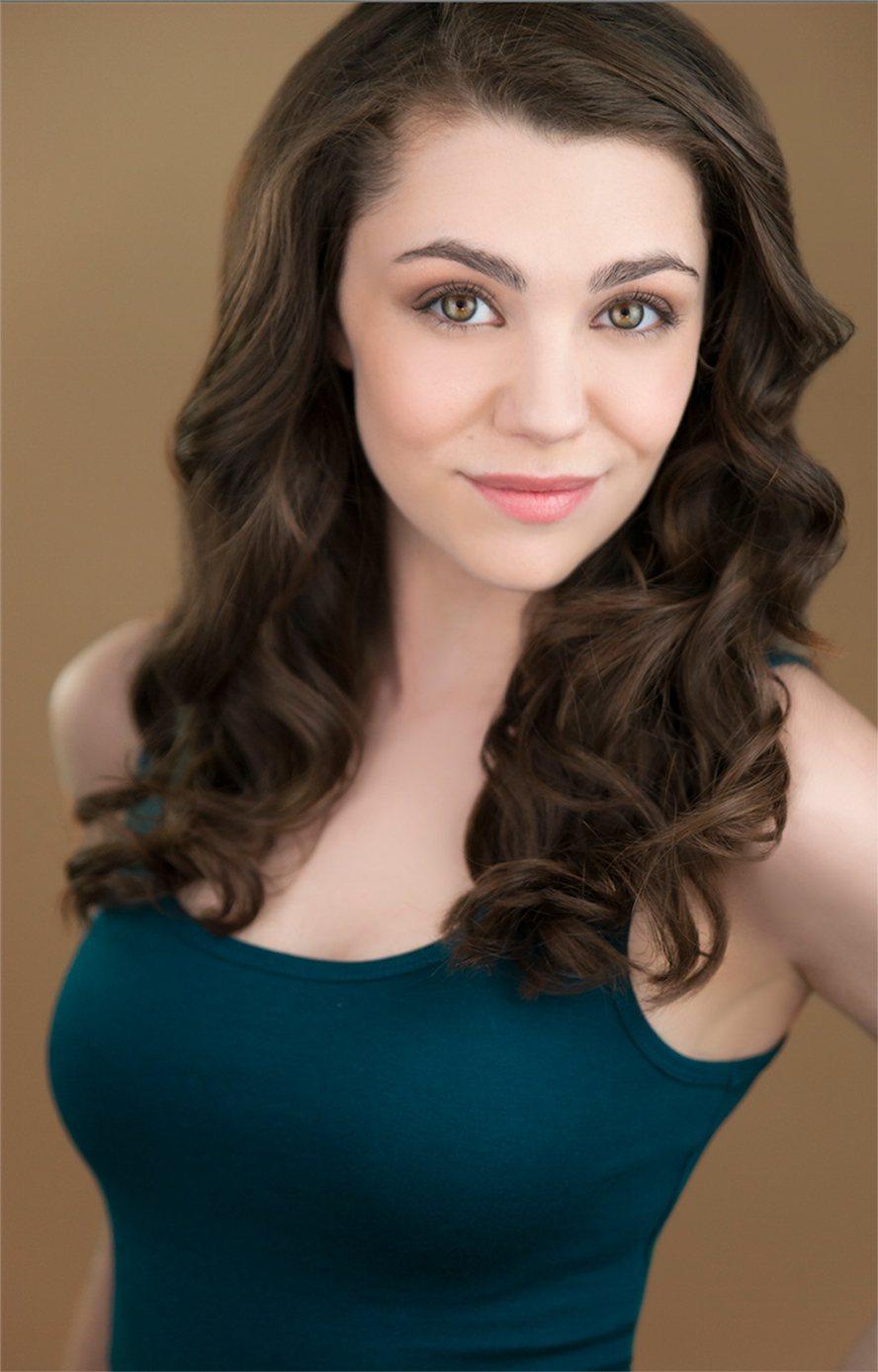 飾演「歌劇魅影」新版女主角「克莉絲汀」的卡莉安沃爾希,年僅20歲就雀屏中選該角。...