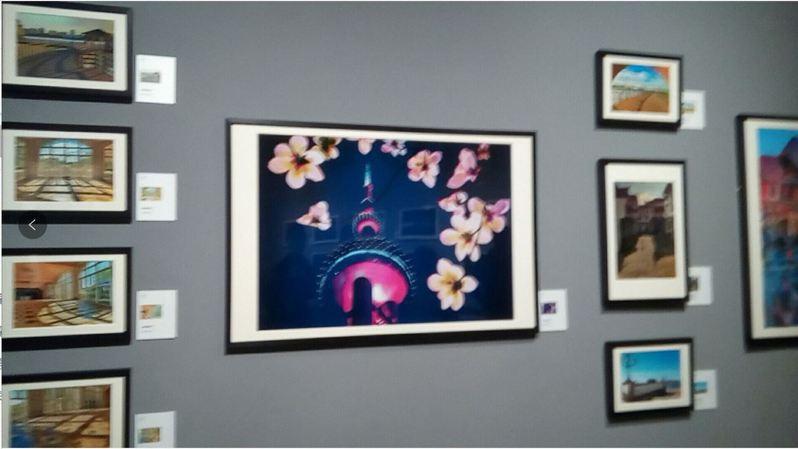 首屆海峽兩岸影像文化周攝影展在浙江美術館登場,上海市台辦主任李文輝,也有專屬的作品牆,展出多次赴台,用手機紀錄拍攝的台灣風情。記者戴瑞芬攝影