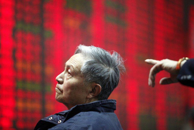 亞洲散戶已暫緩有風險的新投資,甚至一些最大膽的投資人也轉趨謹慎,靜待美國大選結果出爐。美聯社