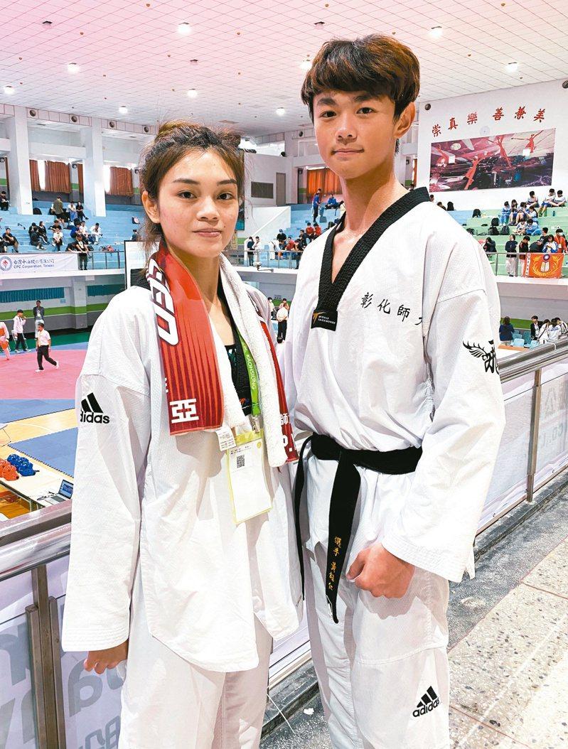 蘇柏亞(左)在全大運跆拳道踢金。記者曾思儒/攝影