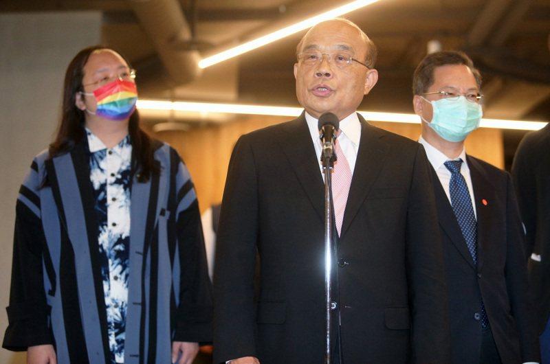針對吃案風波,行政院長蘇貞昌(中)昨表示,案件釐清後會究責。記者胡經周/攝影
