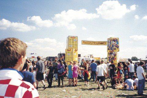 Reading Festival的會場,世紀末還不風行出國看音樂祭,我在現場遇到...