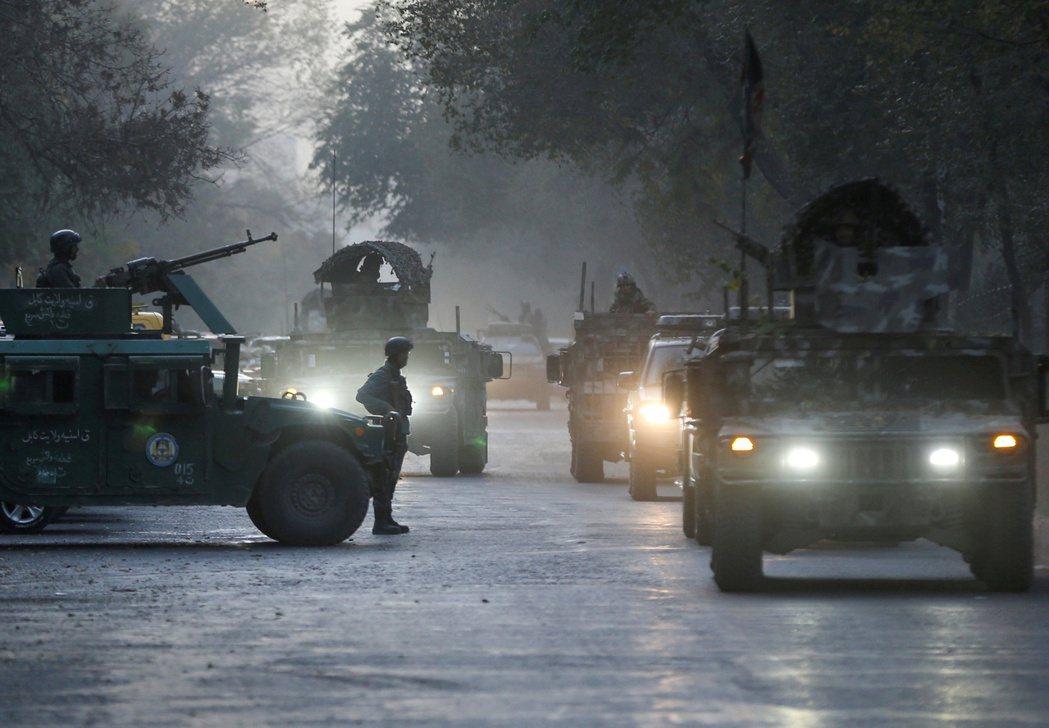 11月2日中午,阿富汗首府的喀布爾大學遭遇重大恐怖攻擊,3名自稱是ISIS阿富汗...