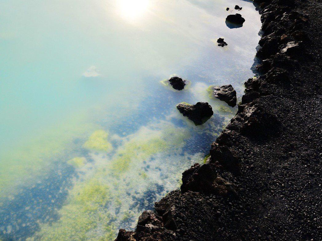 我一直在找自我人生的哲理,能否放諸眾事物皆準,而我似乎在冰島找到了。 圖/林唯哲...