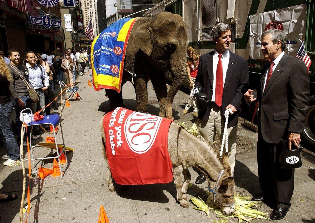 兩大黨對於動物符號的使用,在19世紀以後大致就確定了大象與驢子的符號,不過這兩種...