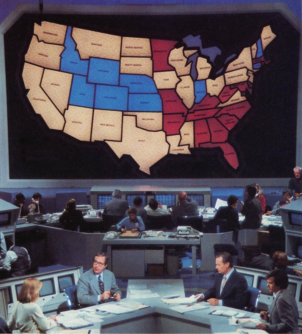 1976年大選,NBC也同樣比照使用共和黨藍、民主黨紅。 圖/《NBC》