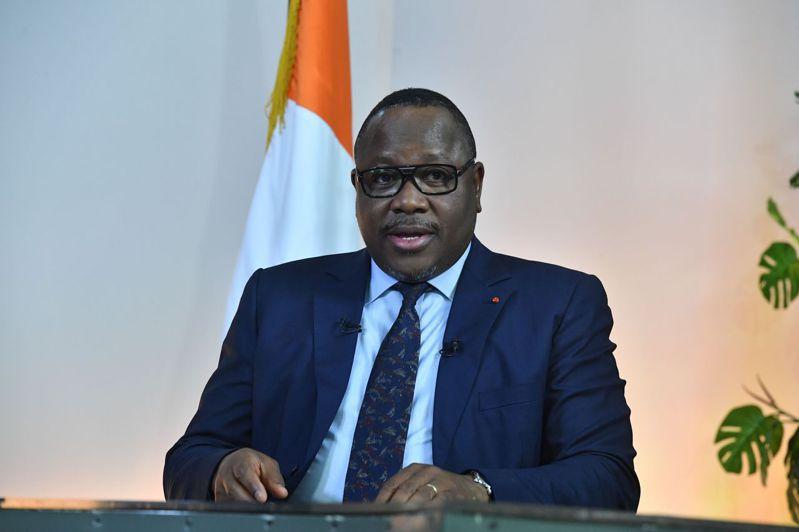 象牙海岸選舉委員會今天宣布,總統烏阿塔哈獲得94.27%選票,壓倒性贏得第3個任期。圖/法新社
