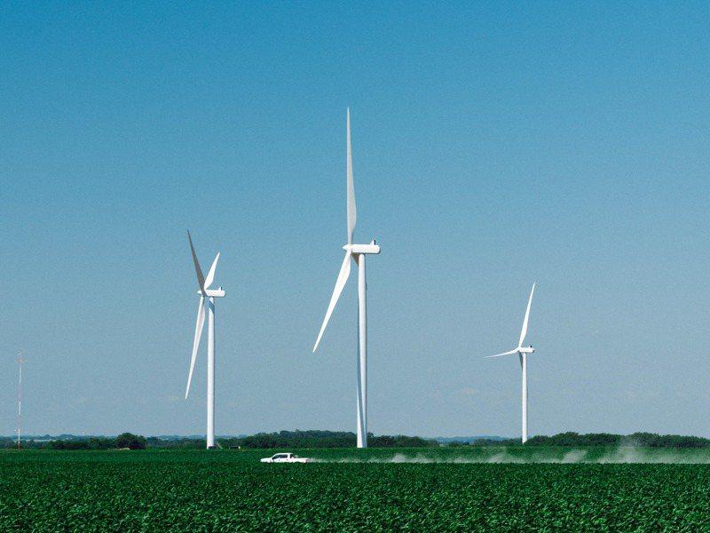 內布拉斯加州已完工的EDF風力發電機。紐約時報