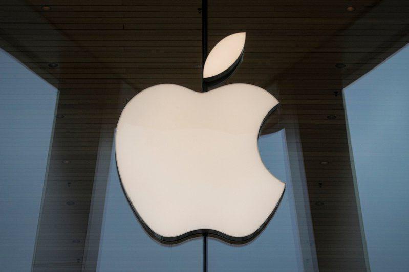 不久前另一案件蘋果需支付VirnetX 4.5億美元,近期蘋果被判給VirnetX近十億美元。  路透