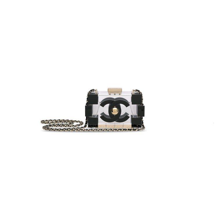 香奈兒時裝表演系列黑色及透明合成樹脂LEGO CLUTCH包附金色配件,估價30...