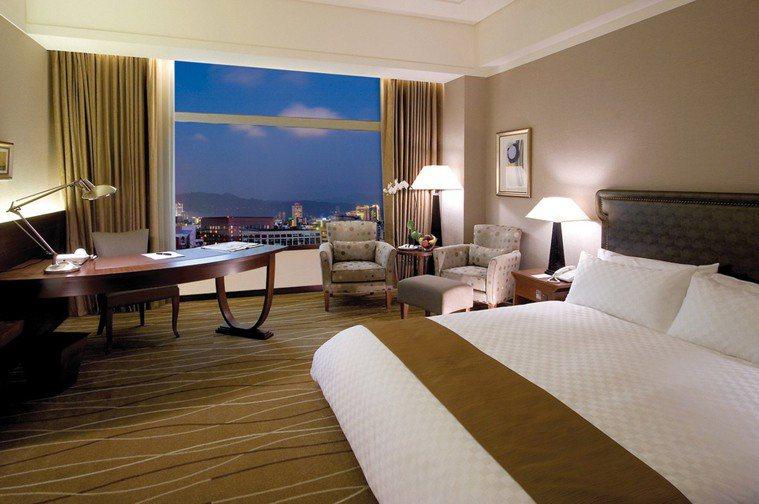 新加入防疫旅館行列的美麗信花園酒店,有136間房間,每晚房價為新台幣4,500元...